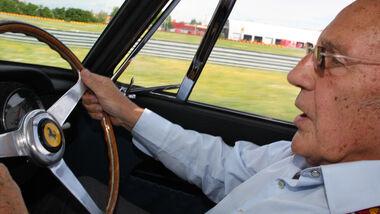 Stirling Moss im Ferrari 250 GT Berlinetta SWB Competizione