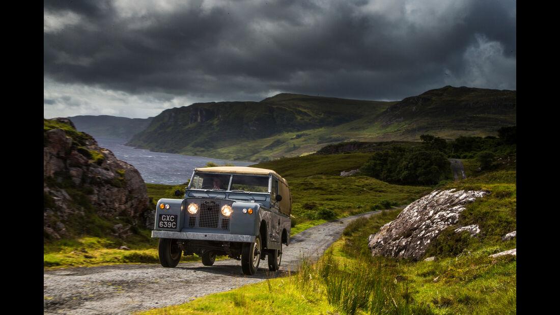 Straße in Eigenbau, Land Rover 88 Serie 2, Impression, Schottland