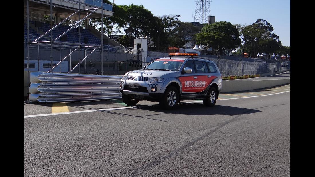 Streckenfahrzeug - Formel 1 - GP Brasilien - Sao Paulo - 22. November 2012