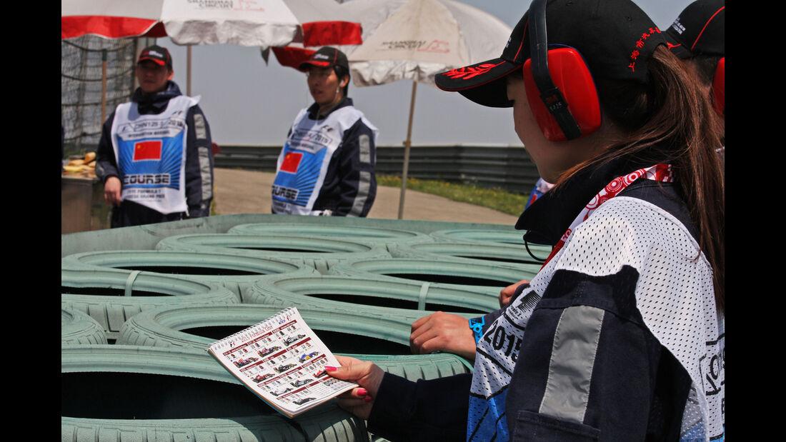 Streckenposten - Formel 1 - GP China - Shanghai - 11. April 2015
