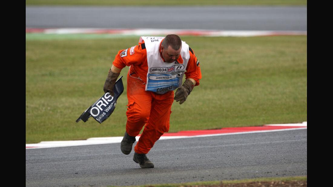 Streckenposten GP England 2011 Rennen