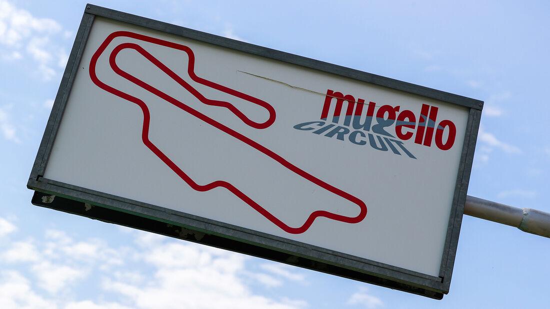 [Imagen: Streckenrundgang-Mugello-GP-Toskana-Form...722321.jpg]