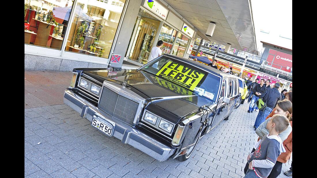 Stretch-Limousine - Elvis lebt