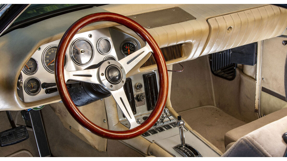 Studebaker Avanti (1973)
