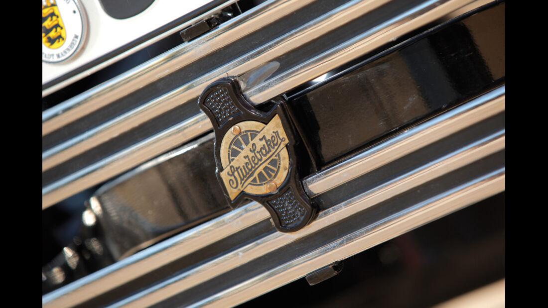 Studebaker Dictator 6 GE, Emblem