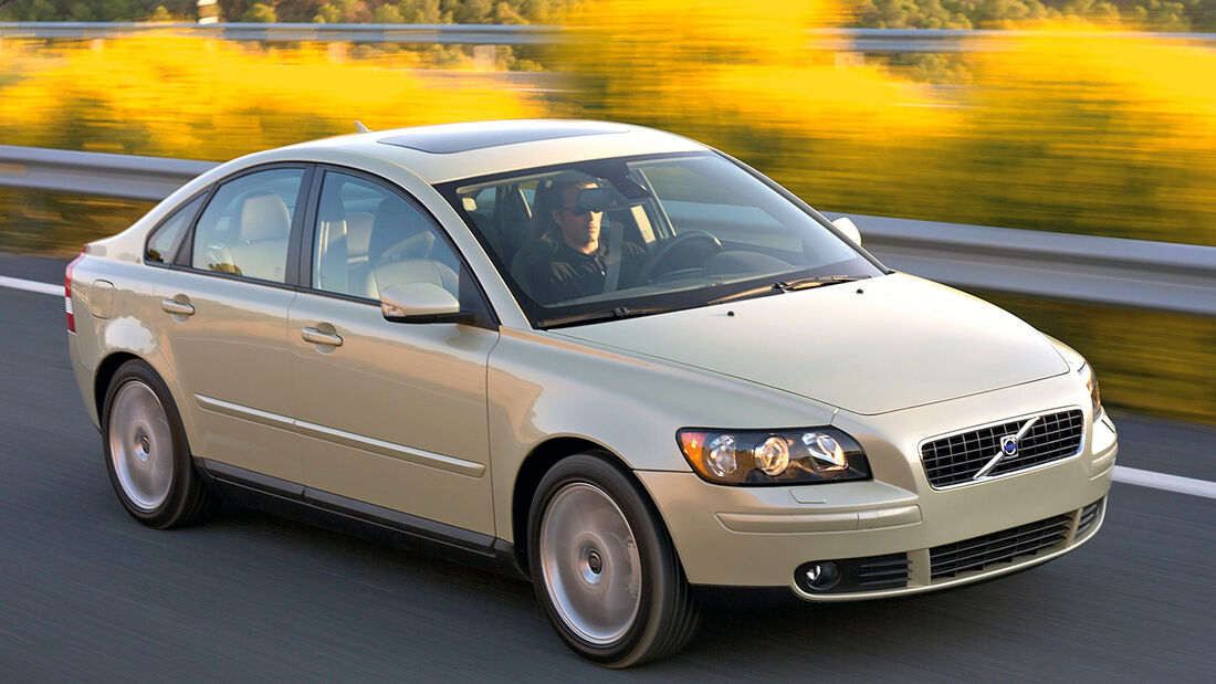 Stufenheck-Limousinen, Volvo S40 1.8 Kinetic