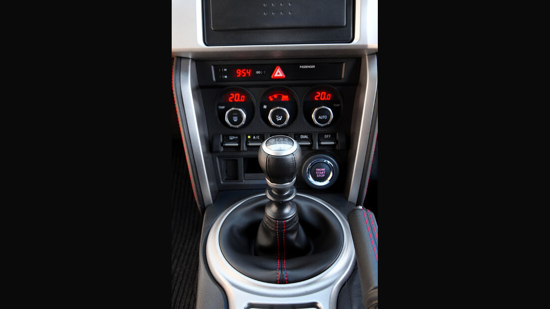 Subaru BRZ, Mittelkonsole, Schalthebel