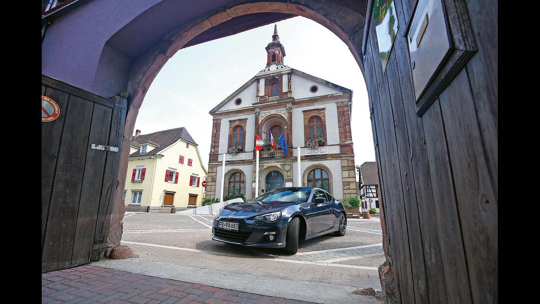 Subaru BRZ, Rathaus, Stadttor
