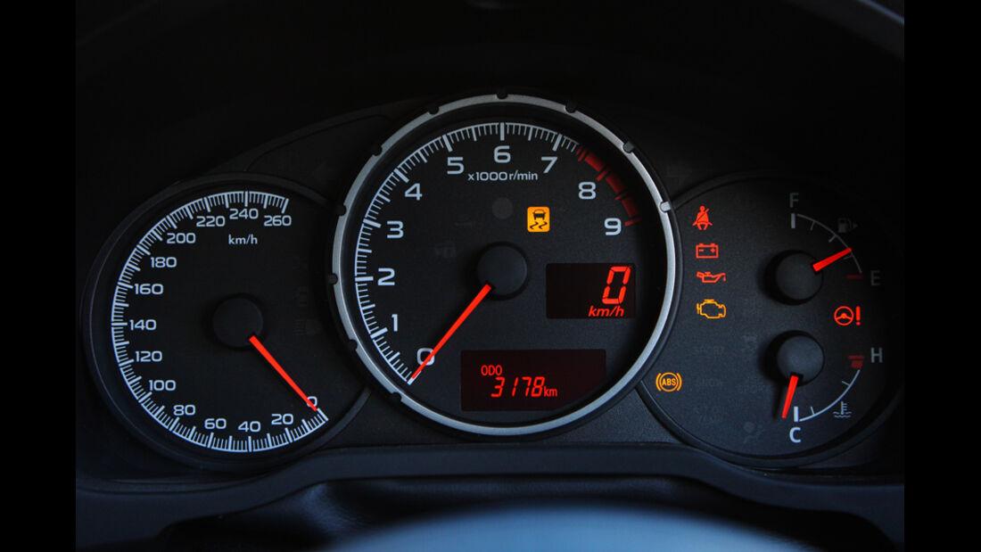 Subaru BRZ, Tacho, Rundinstrumente