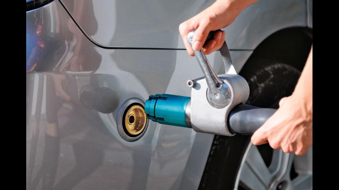 Subaru Forester 2.0 Ecomatic Tankvorgang