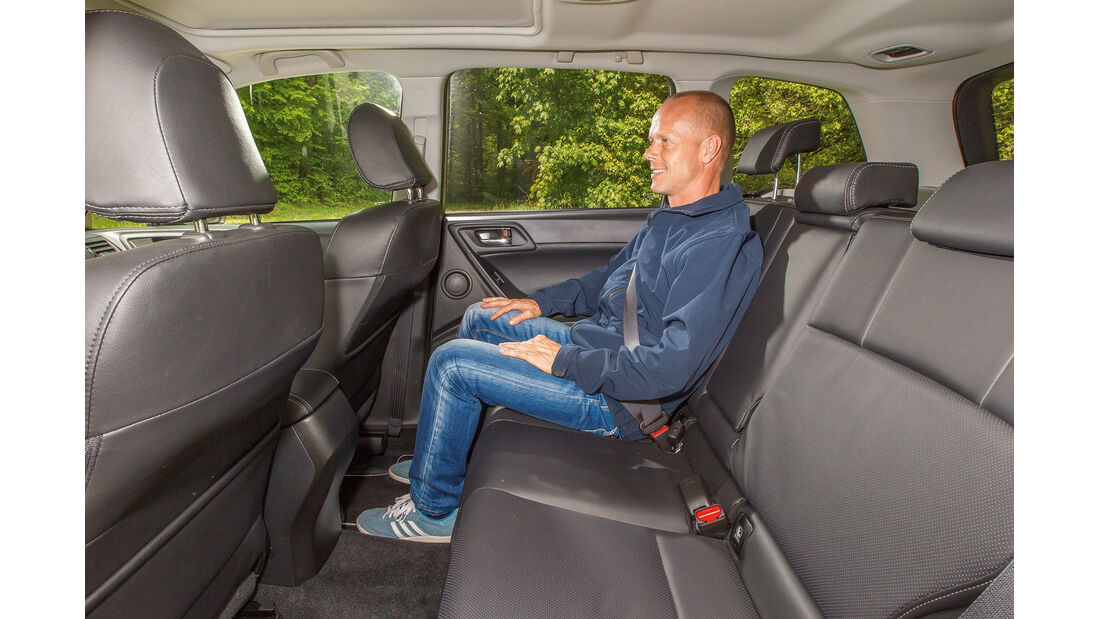 Subaru Forester 2.0 XT Platinum, Rücksitz, Beinfreiheit