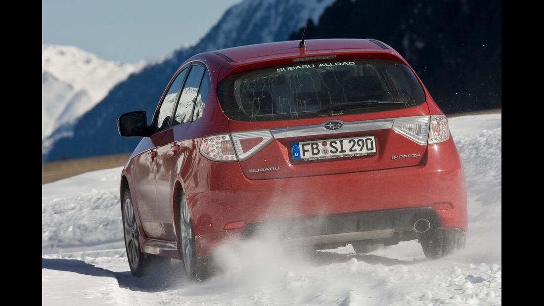 Subaru Impreza 1.5R, Heckansicht