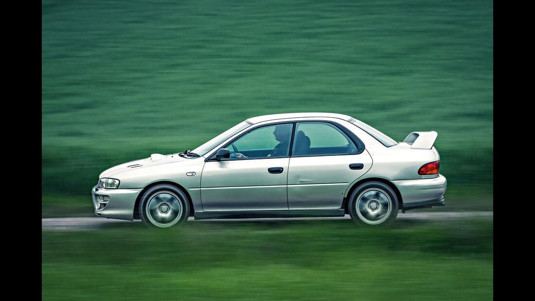 Subaru Impreza GT Turbo, Heckflügel