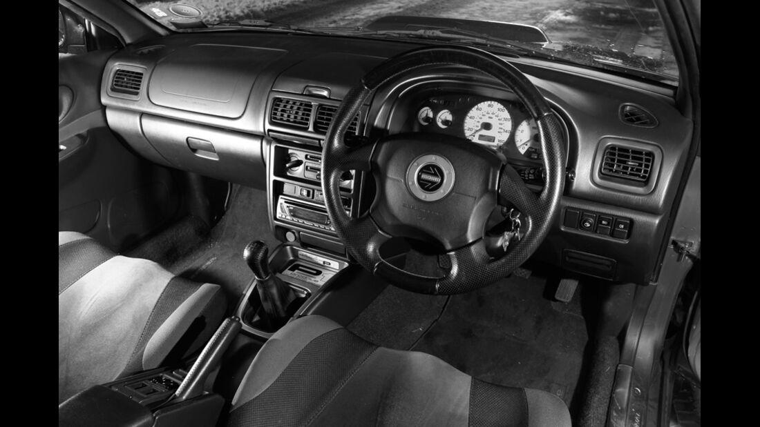 Subaru Impreza P1, Innenraum