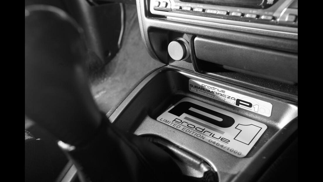 Subaru Impreza P1, Schriftzug