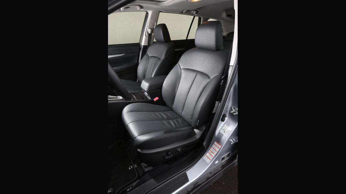 Subaru Outback 2.0D, Fahrersitz