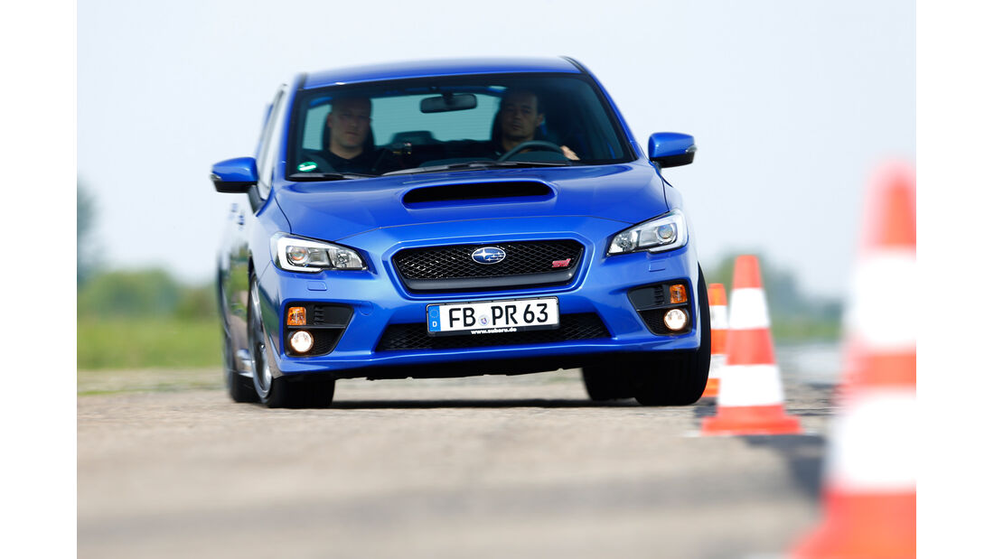 Subaru WRX STI, Frontansicht, Slalom
