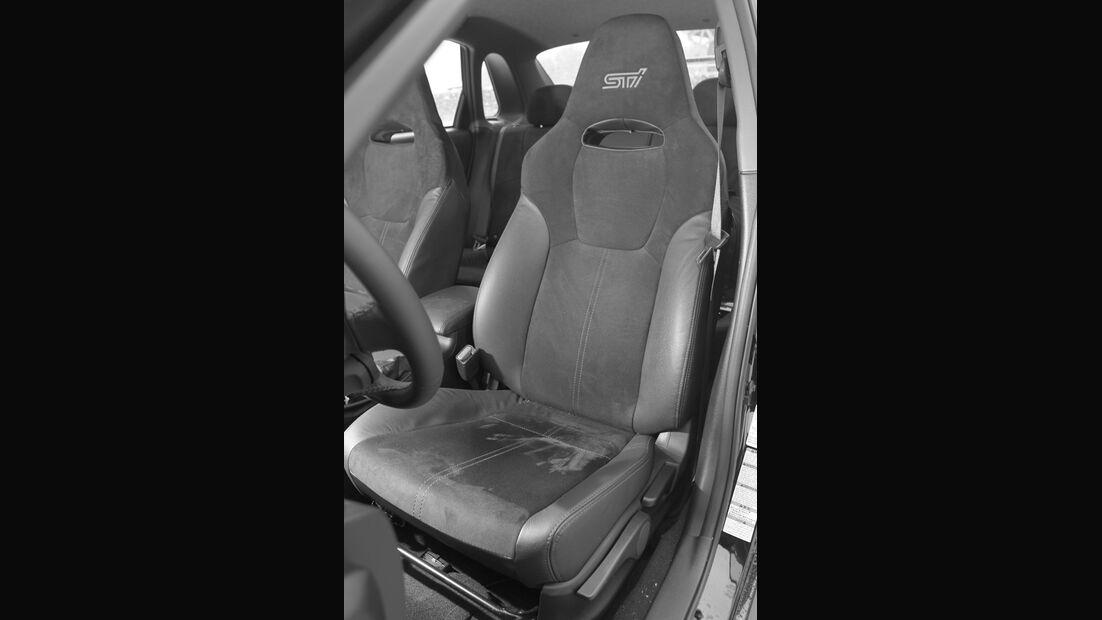 Subaru WRX STI, Innenraum, Fahrersitz