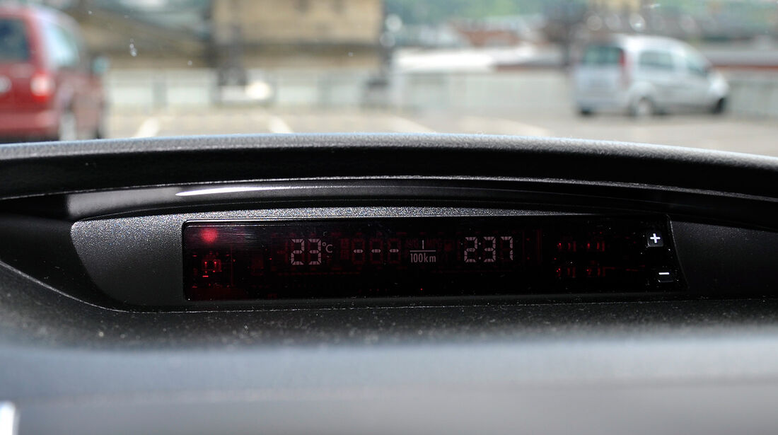 Subaru WRX STi, Display