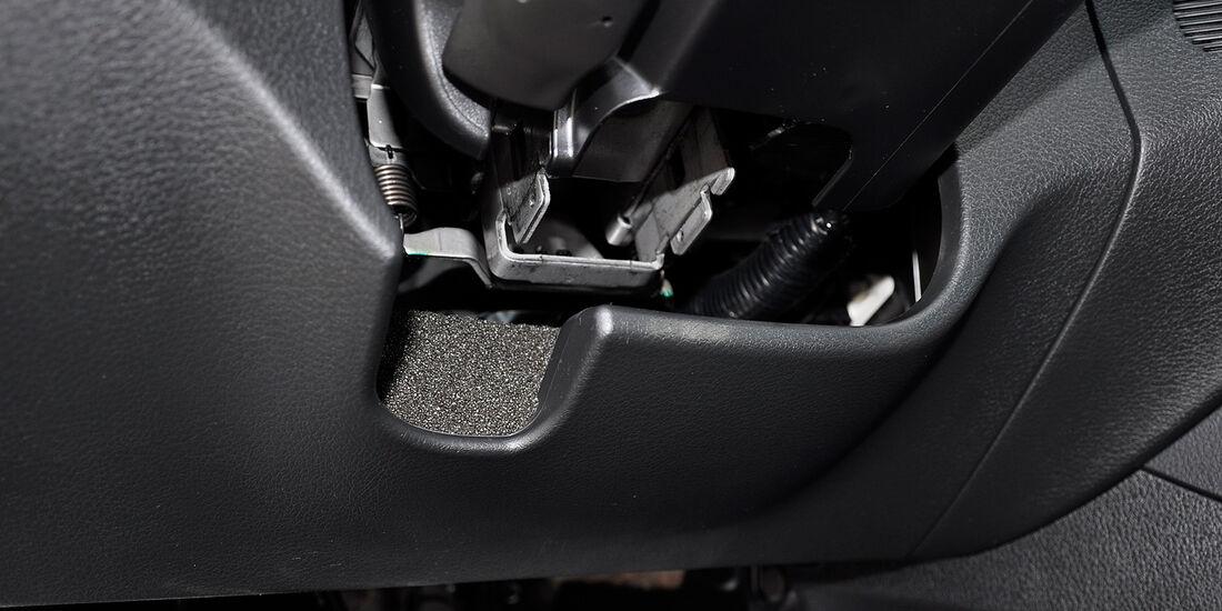 Subaru WRX STi, Lenkradeinstellung