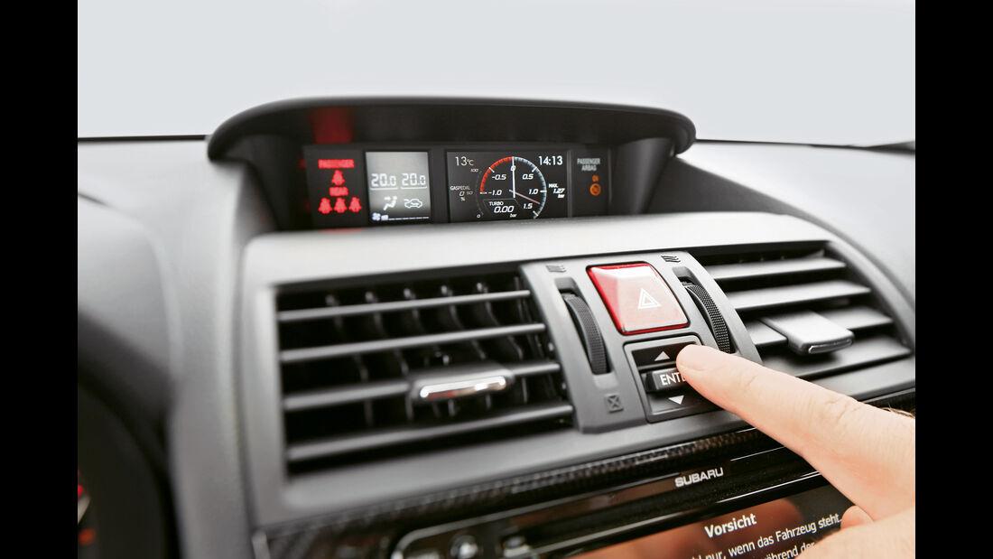 Subaru WRX STi, Mittelkonsole