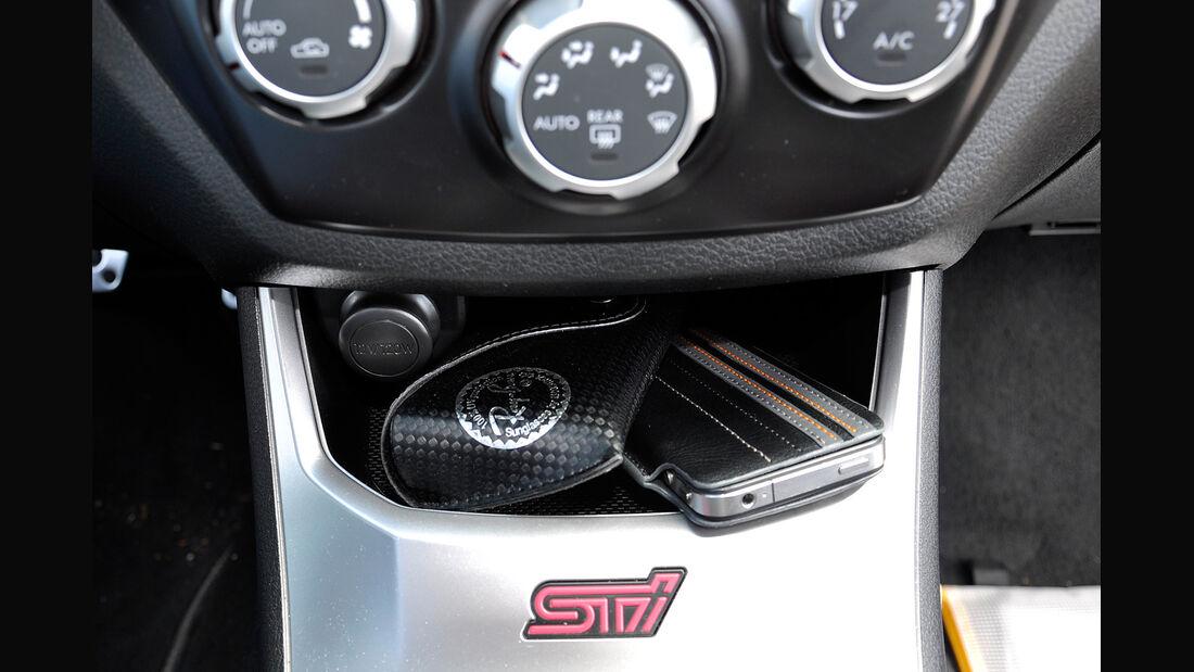 Subaru WRX STi, Mittelkonsole, Ablagefach
