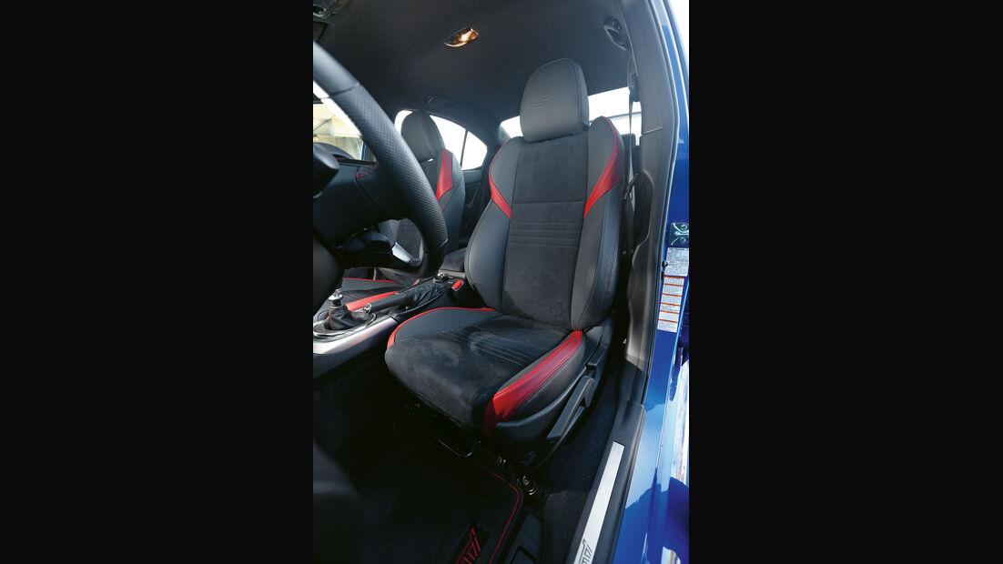 Subaru WRX STi, Sitz