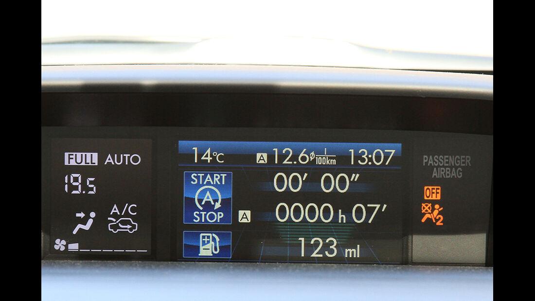 Subaru XV 2.0i, Cockpit