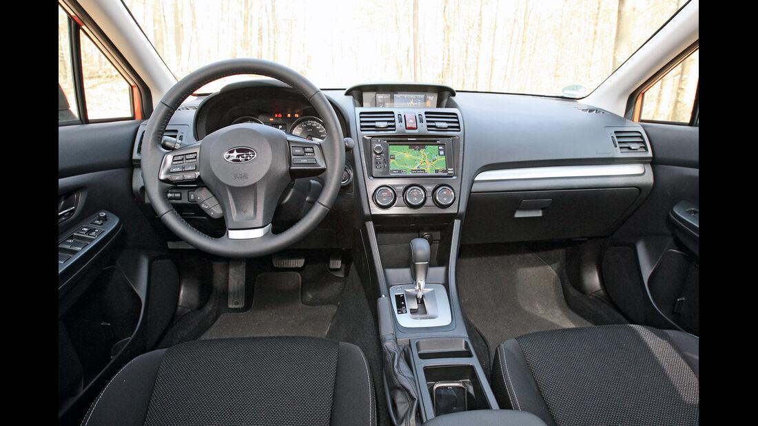 Subaru XV 2.0i, Lenkrad, Cockpit