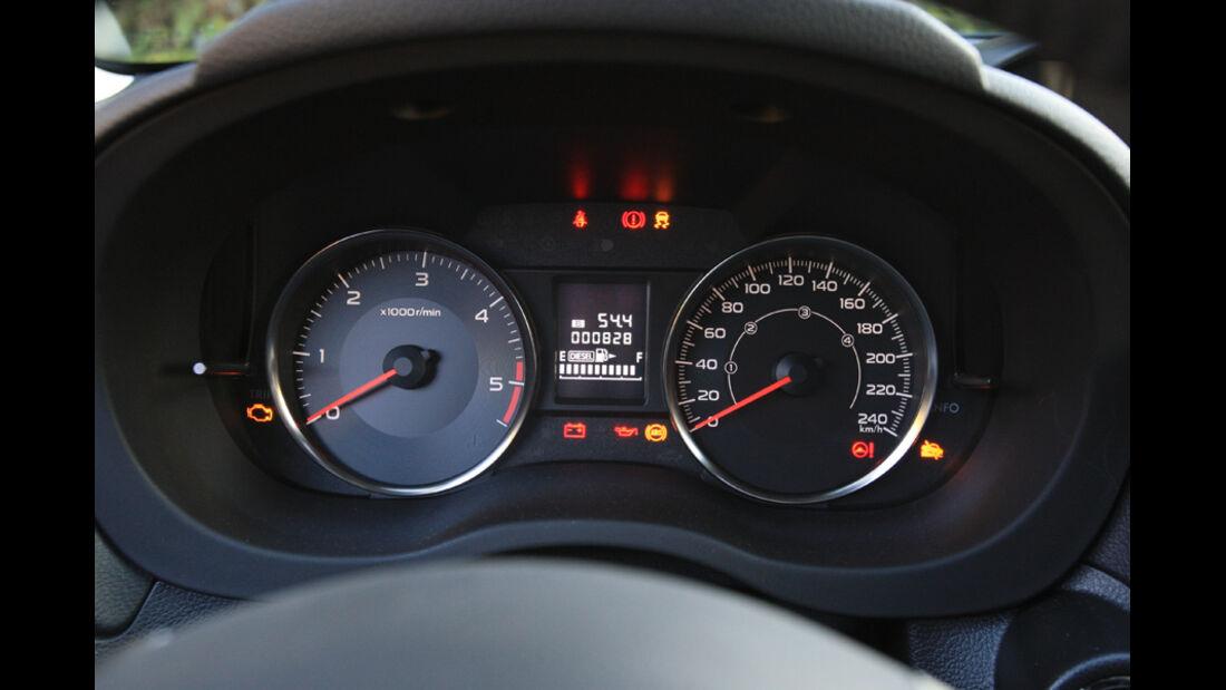 Subaru XV, Rundinstrumente