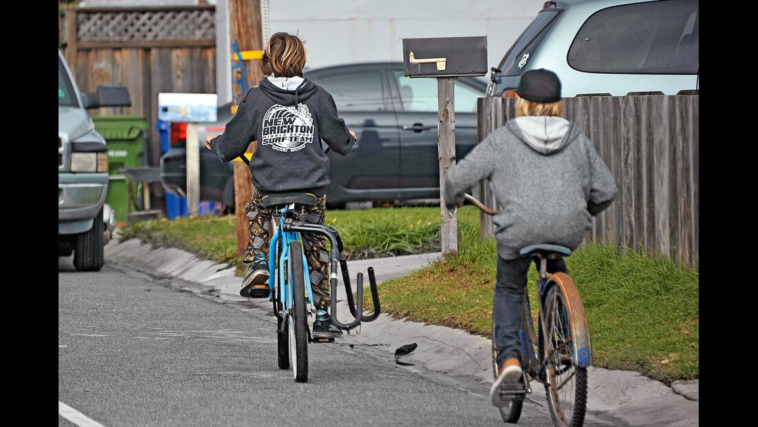 Surfer-Autos, Fahrräder