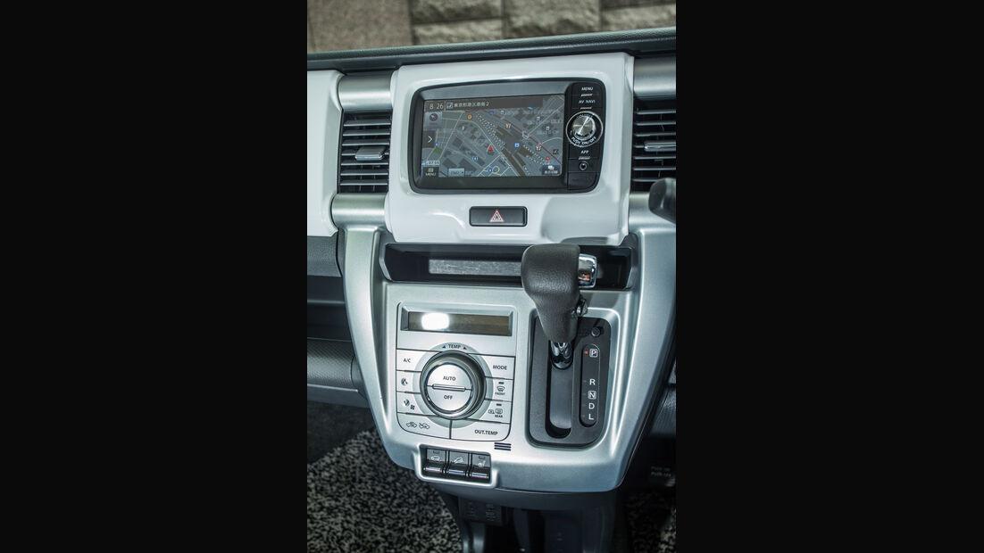 Suzuki Hustler X Turbo 4WD, Mittelkonsole