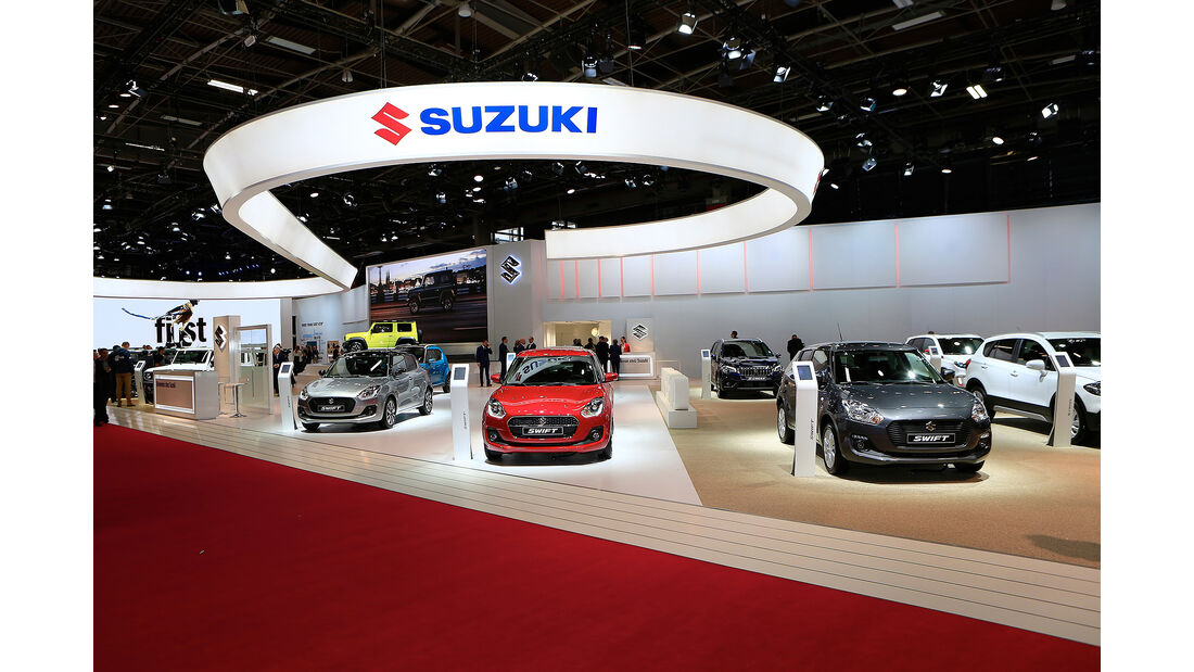 Suzuki: Messestand Pariser Autosalon 2018