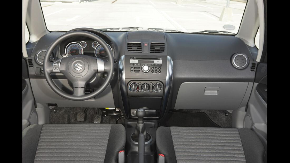 Suzuki SX 4, Cockpit 1