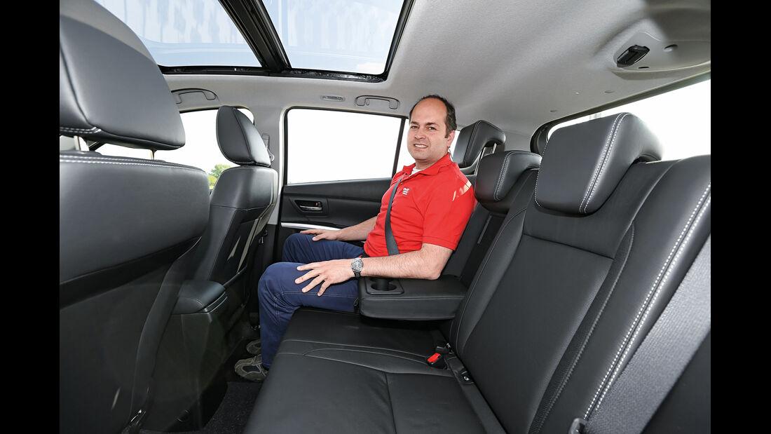 Suzuki SX4 1.6D, Rücksitz, Beinfreiheit