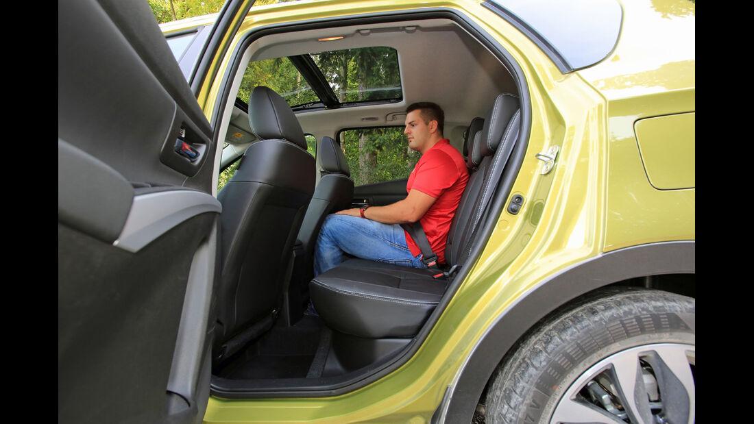 Suzuki SX4-Cross 1.6 DDiS 4x4 Comfort Plus, Fond
