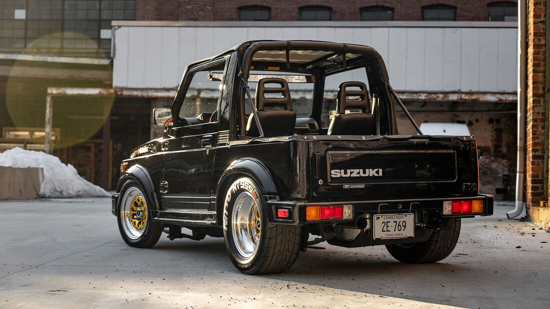 Suzuki Samurai mit Mazda RX7-Wankelmotor