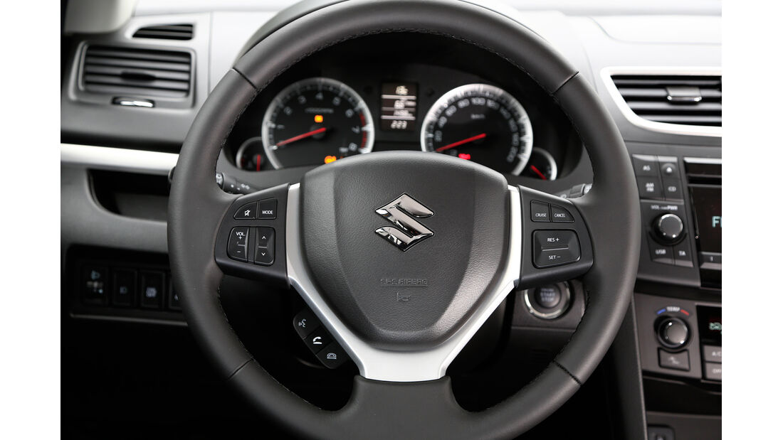Suzuki Swift, 2013, Lenkrad, Rundinstrumente
