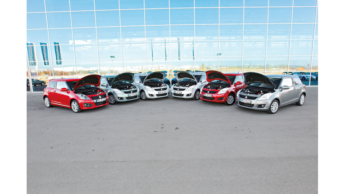 Suzuki Swift, Gruppenbild, Motorhaube offen