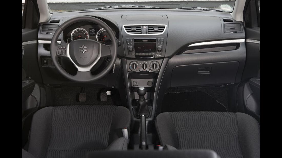 Suzuki Swift Kaufberatung, Cockpit, Innenraum
