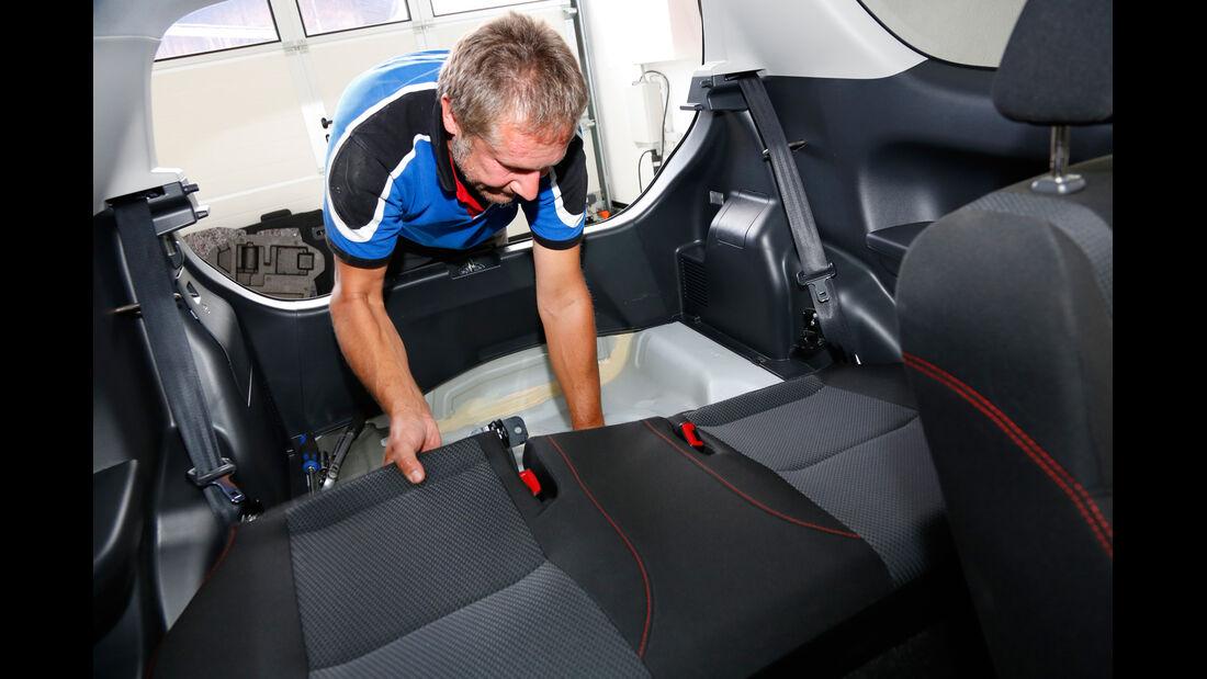 Suzuki Swift, Sitze, Ausbauen