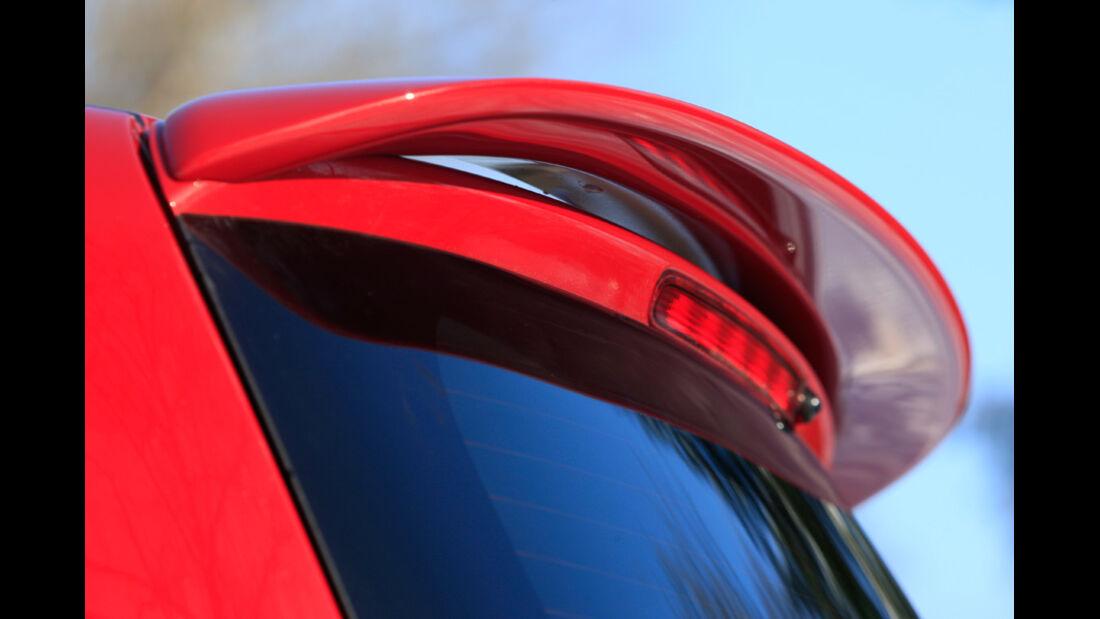 Suzuki Swift Sport 1600, Dachspoiler