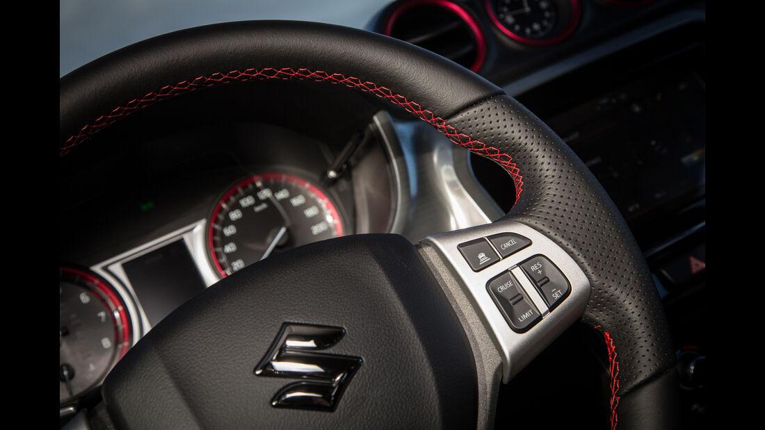 Suzuki Vitara S, Fahrbericht, Lenkrad