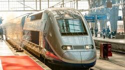 TGV im Bahnhof