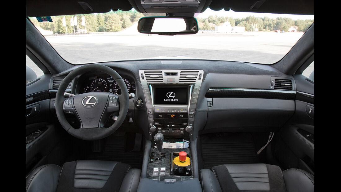 TMG-Lexus TS 650, Cockpit, Lenkrad