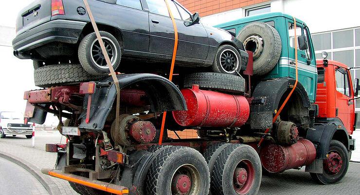 Irre und lebensgefährlich: Pfusch an Bremsen, Gurt und Batterie ...