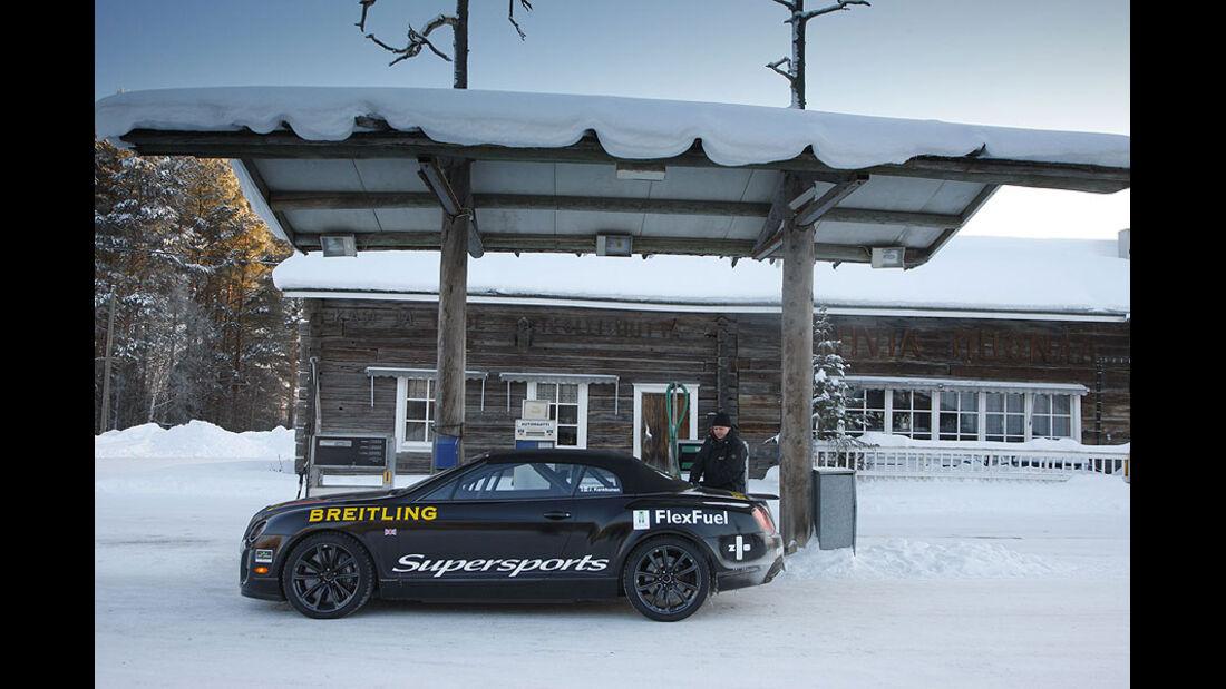 Tankstelle, Finnland, Bentley Continental Supersports Convertible Rekordauto