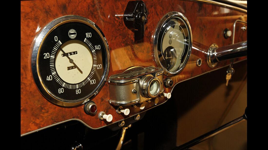 Tatra T 77a, Zifferblätter, Detail