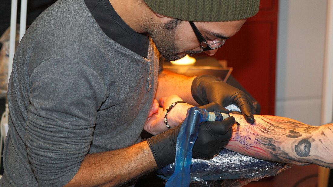Tattoo Tätowierer