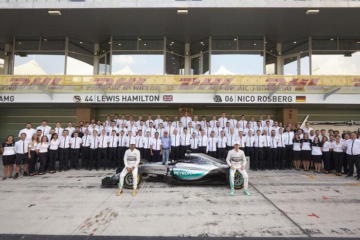 Teamfoto - Mercedes - Formel 1 - 2015